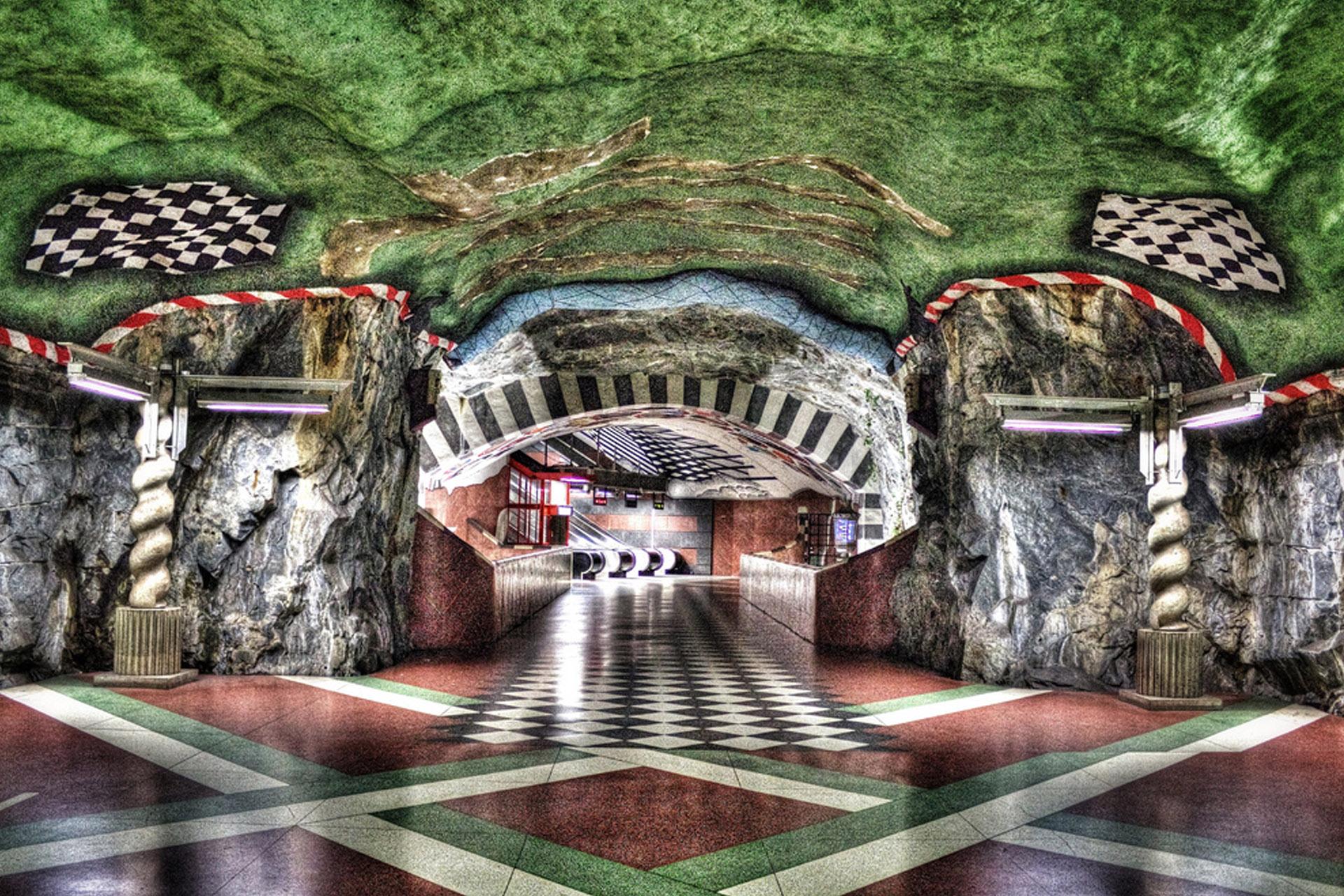 Stații de metrou spectaculoase din lume. Kungstradgarden, Stockholm, Suedia